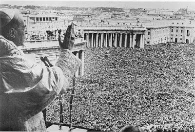 Pius XII Crowds