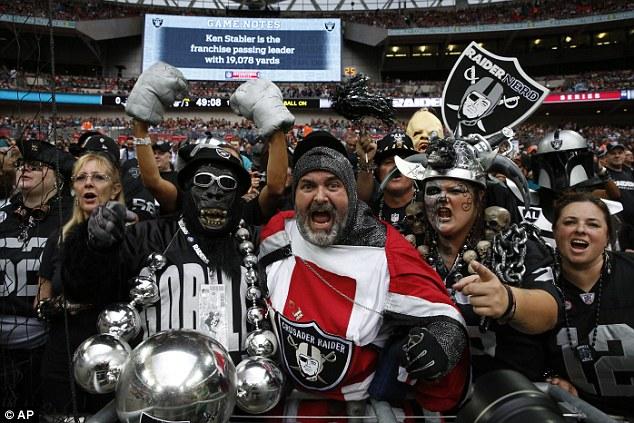 1411922700670 wps 34 Oakland Raiders fans chee