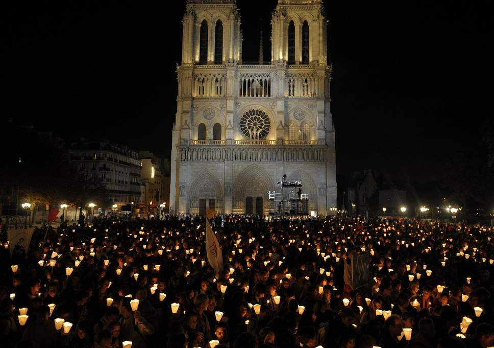 notre dame cathedral faithful