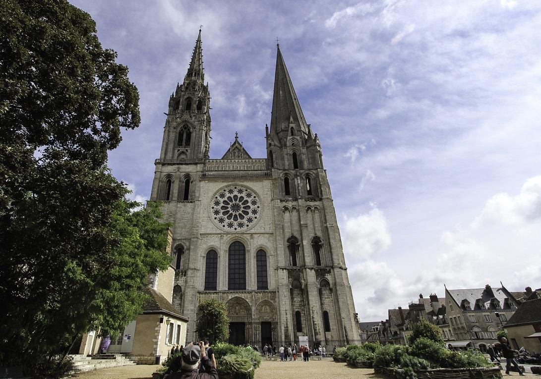 1 Chartres facade
