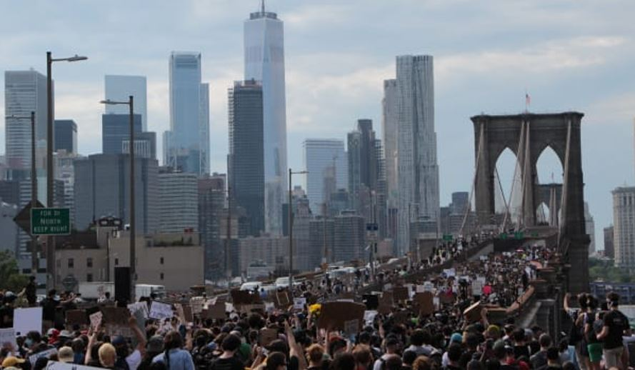 blm on brooklyn bridge jpeg
