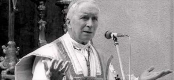 Lefebvre preaching