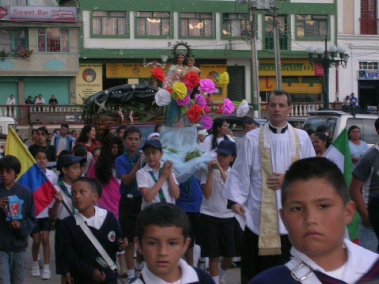 Marian Processions Return to the Streets