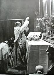 pius XII offers mass