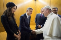 Francis Goes to Hollywood: Honors Clooney, Gere and Hayek