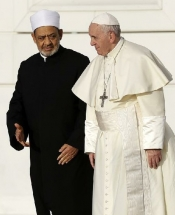 Sheikh Ahmed el-Tayeb talks with Pope Francis in Abu Dhabi
