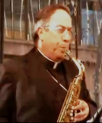 Cardinal Rodriguez Maradiaga jams at the 'Jam for Justice', Sydney World Youth Day